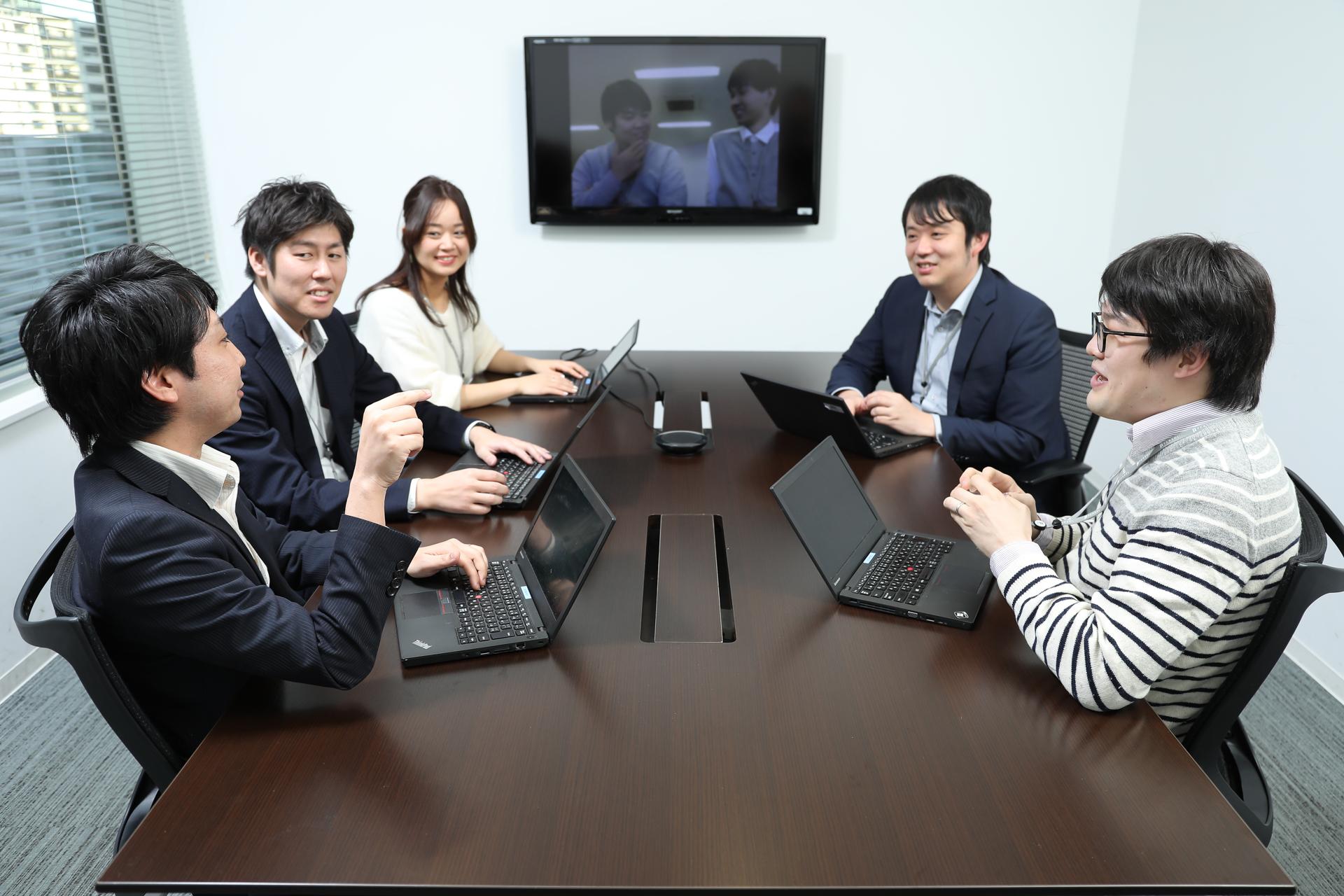 アジアと日本、そして世界中のエンジニアをつなぐ独自の開発モデル。